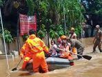 banjir-di-permukiman-warga-di-jalan-puri-mutiara-ilir-1.jpg