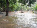 banjir-melanda-pemukiman-warga-di-kemang-timur-v.jpg
