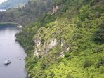 batu-gantung-di-parapat-sumatera-utara_20171230_110813.jpg