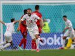 bek-spanyol-jordi-alba-merayakan-gol-setelah-tendangan-setengah-volinya-menembus-gawang-swiss.jpg
