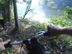 bersepeda-di-sepotong-jalur-hutan-ui.jpg
