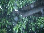 bmkg-prediksi-potensi-hujan-angin-di-jaksel-dan-jaktim-senin-sore4.jpg