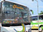 bus-pasang-tameng-kawat-di-kaca-depan_20170616_191741.jpg