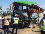 bus-safari-kecelakaan.jpg