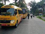 bus-sekola-untuk-antar-jemput-tenaga-medis.jpg