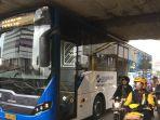 bus-tersangkut_20171122_131606.jpg