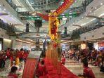 caption-barongsai-kong-ha-hingga-sedang-beraksi-di-pondok-indah-mall.jpg