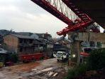 crane-proyek-double-double-track-matraman-manggarai-ambruk-3_20180204_094135.jpg