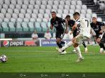 cristiano-ronaldo-mencetak-gol-penalti-dalam-laga-juventus-vs-lyon-7-agustus-2020.jpg