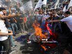 demonstran-presiden-perancis-emmanuel-macron-di-palestina2.jpg