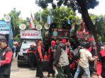 demonstrasi-buruh-di-balai-kota-dki.jpg