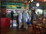 dinas-kesehatan-dki-mengecek-restoran-amigos-terkait-virus-corona-3.jpg