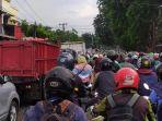 diteror-kemacetan-warga-tagih-janji-wali-kota-tangerang-soal-flyover-stasiun-poris.jpg