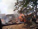 dua-rumah-hangus-terbakar-di-tangsel.jpg