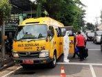 evakuasi-pasien-covid-19-menggunakan-bus-sekolah260920201.jpg
