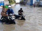 foto-banjir-rob-muara-baru-ditengah-pandemi-covid-19050620206.jpg
