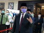 gubernur-dki-jakarta-anies-baswedan-di-dprd-dki-jakarta-pada-senin-2112020.jpg