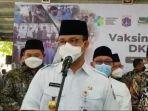gubernur-dki-jakarta-anies-baswedan-meninjau-sentra-vaksinasi-di-ponpes-minhaajurosyidiin.jpg