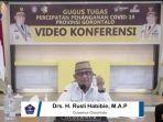 gubernur-gorontalo-rusli-habibie.jpg