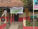 guru-honorer-di-kabupaten-tangerang-mogok-mengajar_20181015_085559.jpg