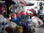 harga-bunga-di-pasar-bunga-rawa-belong-meroket-2.jpg