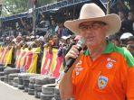 helmy-sungkar-saat-masih-aktif-jadi-promotor-balap-legenda-balap-indonesia-ini-meninggal-dunia.jpg