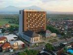 hotel-tertinggi-di-banyuwangi-resmi-beroperasi250301.jpg