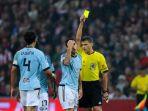 hugo-mallo-yellow-card_20180416_103230.jpg