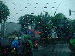 hujan-deras.jpg
