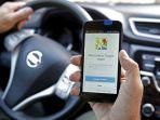 ilustrasi-pengemudi-menggunakan-google-maps-sebagai-ps-saat-berkendara.jpg