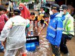 isnawa-adji-meninjau-evakuasi-warga-jalan-kemang-utara-ix.jpg