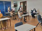 jajaran-pemerintah-kotamadya-jakarta-selatan-meninjau-sekolah-pelita-harapan-2.jpg