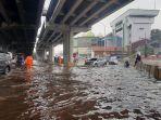 jalan-di-panjaitan-banjir.jpg