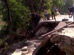 jalan-kali-cbl-desa-muktiwari-amblas210620201.jpg
