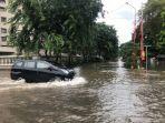jalan-karang-bolong-raya-kebanjiran.jpg