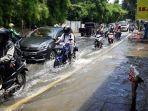 jalan-puri-kembangan-kedoya-banjir.jpg