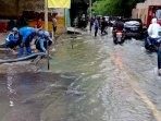 jalan-puri-kembangan-tergenang-banjir051020202.jpg