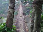 jembatan-gantung-di-srengseng-sawah_20180119_190734.jpg