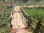 jembatan-rawan-ambruk_20170918_205303.jpg