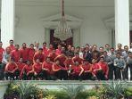jokowi-terima-pemain-timnas-indonesia-u-22-di-istana.jpg
