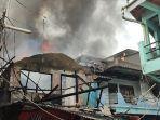 kebakaran-melanda-permukiman-warga-di-jalan-lagoa-kanal.jpg
