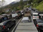 kemacetan-di-puncak-bogor.jpg