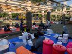 kemensos-mendirikan-dapur-umum-di-area-halaman-convention-hall-surabay.jpg