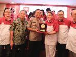 ketua-umum-perhimpunan-indonesia-tionghoa-inti-t.jpg
