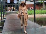 koleksi-di-indonesia-fashion-week-2020-diperagakan-saat-jumpers.jpg