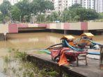 kondisi-terowongan-gandhi-di-kemayoran-terendam-banjir-4-meter1.jpg