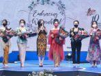 krisdayanti-saat-mendapatkan-penghargaan-di-ajang-indonesias-beautiful-women.jpg