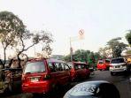 lalu-lintas-dari-arah-pasar-rebo-ke-kramat-jati-via-jalan-raya-bogor-ramai-lancar_20171004_090749.jpg