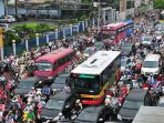 lalu-lintas-di-hanoi_20170711_163804.jpg