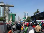 lalu-lintas-di-jalan-letjend-mt-haryono-pancoran-padat-merayap_20171206_093050.jpg